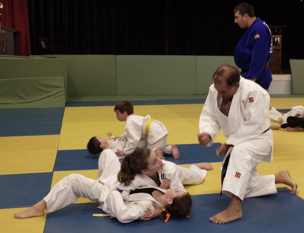 MTG Instructors advising their judoka